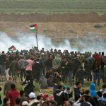 غزة.. الفلسطينيون يواصلون مسيرة العودة في «جمعة العمال»