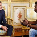 فرنسا تعرض الجنسية على مهاجر من مالي تسلق بناية لإنقاذ طفل