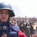 فيديو| مراسلة الغد: طائرات الاحتلال تلقي قنابل الغاز فوق المتظاهرين شرقي غزة