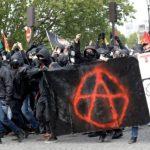 مواجهات عنيفة على هامش مسيرة عيد العمال في باريس