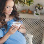تناول الشاي أثناء الحمل يزيد مخاطر إصابة الأطفال بالسمنة