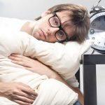 دراسة: دورات النوم المتقطعة مرتبطة بالتقلبات المزاجية