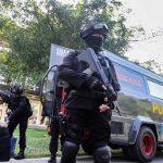 إندونيسيا تعتقل 3 أشخاص للاشتباه بتخطيطهم لهجوم على برلمان محلي