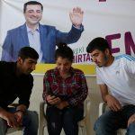 سياسي كردي تركي بارز ينظم حملته الانتخابية وراء القضبان