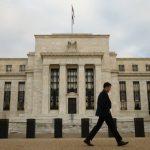 مسؤول بالمركزي الأمريكي يتوقع فترة طويلة من السياسة النقدية المرنة