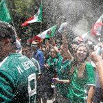 جماهير المكسيك تحتفل بالفوز على ألمانيا رغم قلق الفيفا