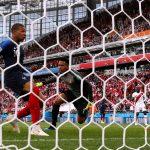 مبابي يضمن صعود فرنسا للدور التالي ويطيح بمنتخب بيرو خارج كأس العالم