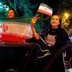 السلطات الإيرانية تسمح للنساء بالحضور في الأماكن العامةلمتابعة مباراة المونديال