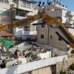 مركز حقوقي: قرارات محاكم الاحتلال بهدم منازل الفلسطينيين مخالفة للقانون الدولي
