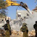 الاحتلال يهدم ممتلكات الفلسطينيين شمال القدس