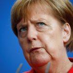 ألمانيا تحقق فيما إذا كان هناك سبب جنائي وراء تعطل طائرة ميركل