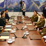 الكوريتان تتعهدان بإعادة فتح طرق وخطوط سكك حديدية بينهما