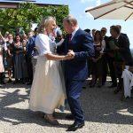 انحناءة وزيرة خارجية النمسا لبوتين تثير الغضب