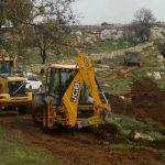 الاحتلال يواصل تجريف أراضي الفلسطينيين في سلفيت