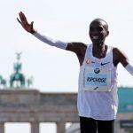 حاملا الرقم القياسي للماراثون ضمن منتخب كينيا الأوليمبي