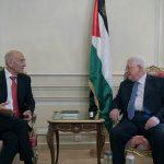 عباس يلتقي رئيس وزراء إسرائيل الأسبق في باريس