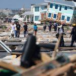 البحث عن المفقودين والجثث بعد الإعصار مايكل في فلوريدا