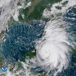 مركز الأعاصير الأمريكي: العاصفة فاي ستضعف وتتلاشى يوم الأحد على الأرجح