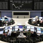 أسهم أوروبا تتراجع بفعل تنامي معاناة الشركات بسبب كورونا
