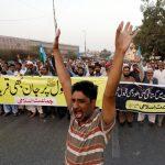 مطالبات بإقالة الحكومة الباكستانية بعد الإفراج عن مسيحية متهمة بازدراء الأديان