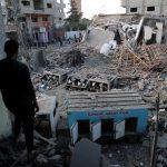 فلسطينيون يطالبون الأونروا بإعادة إعمار منازلهم