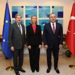 الاتحاد الأوروبي يلوم تركيا على احتجاز صحفيين وأكاديميين