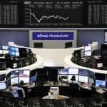 أسهم أوروبا تهبط لأدنى مستوى في أسبوعين بفعل قلق النمو والتجارة
