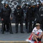 الأرجنتين تبحث سن قانون ضد شغب المشجعين بعد تأجيل نهائي كأس ليبرتادوريس