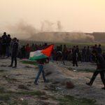 إصابة 28 فلسطينيا برصاص الاحتلال خلال المشاركة في مسيرة العودة بغزة