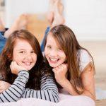 دراسة تربط بين كيماويات في مستحضرات التجميل وبلوغ الفتيات المبكر
