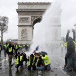 فرنسا.. تراجع مستوى التعبئة في التحرك الخامس لـ«السترات الصفراء»