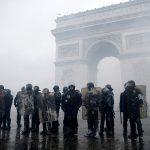 إضرابات واحتجاجات في فرنسا.. والسبب «نظام التقاعد»