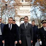 ماكرون يزور قوس النصر بعد أحداث الشغب في باريس
