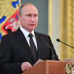 بوتين يتهم أمريكا بإثارة خطر حرب نووية