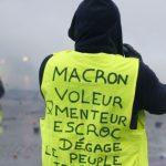 نيويورك تايمز: فيسبوك حشد السترات الصفراء وسكب البنزين على حريق فرنسا
