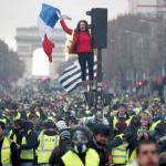 وول ستريت جورنال: مظاهرات فرنسا تختبر انحياز ماكرون للأغنياء