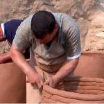 فيديو  عائلة الكواز.. آخر المدافعين عن صناعة الفخار بالعراق