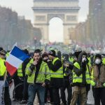 صدامات واعتقالات خلال احتجاجات «السترات الصفراء» في باريس