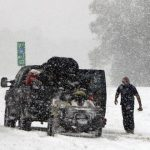 عاصفة شتوية تقطع الكهرباء عن 310 آلاف شخص في أمريكا
