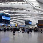 مطار هيثرو بلندن يوقف الرحلات بعد رؤية طائرة مسيرة