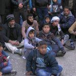 غزة.. عائلات فلسطينية تتظاهر أمام الأونروا وتطالبها بالالتزام بمسؤولياتها