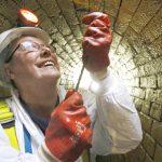 «وحش من الدهون» يسد نظام الصرف الصحي جنوب غربي بريطانيا