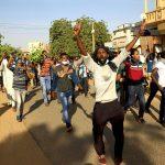 قوات الأمن السودانية تطلق الغاز المسيل للدموع على محتجين