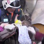 نجاة رضيع من تحت أنقاض مبنى في روسيا