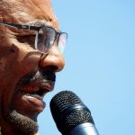 الرئيس السوداني: مستعد لتسليم السلطة من خلال الانتخابات فقط