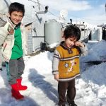 اليونيسف: وفاة 15 طفلاً نازحاً في سوريا جراء البرد القارس