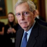 زعيم الجمهوريين في مجلس الشيوخ سيصوّت لتبرئة ترامب