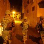 الاحتلال يعتقل 16 فلسطينيا في الضفة الغربية
