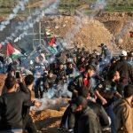 رصاص الاحتلال يصيب 30 فلسطينيًا في مظاهرة سلمية شرق غزة