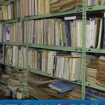 الفلسطيني أحمد حميد يحول أوراق الكتب القديمة إلى مطويات فنية